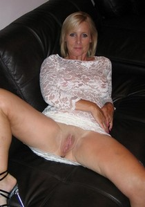 Awesome rookie picture with fabulous blonde cougar.