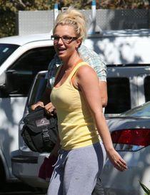 Britney Spears Photos Photos - Britney Spears Hits the Dance
