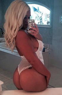 Dirty tattooed blonde selfshot her big real ass big booty and sweet hot tits