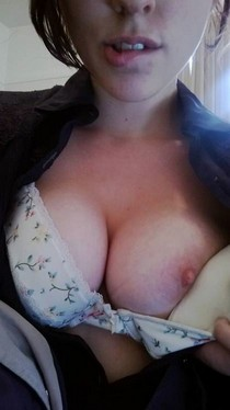 Sexy and good looking Amateur boobs self shot pic