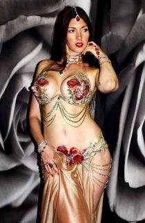 Дизайн костюмов для восточных танцев от Майи..