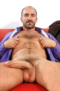 Hot and horny mature, bears, and older gay's - Pics - xHa