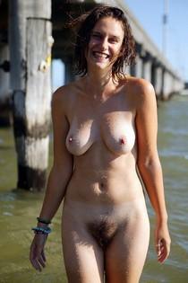 Amateur porn - niche Exhibitionist