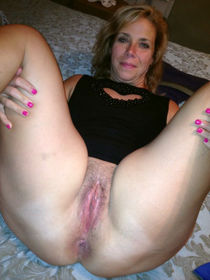 House of sluts spreading their legs