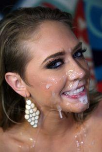 Cute girlfriend gets massive facial