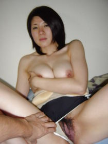 More bush for the hairy pussy lovers - Pics - xHamster.c