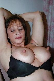Huge Nipples & Tits бесплатно на телефон