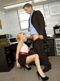 Monique Alexander sucks and fucks at the office - Pichunter