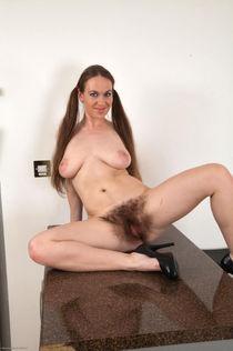Женщины с волосатыми вагинами (40 фото) Волосатая..