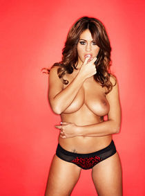 Holly Peers Topless With Her Big Boobs On Display While Lick