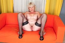 Young cock and old pussy meet - Grannyporn.xxx -
