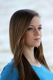 Closeup photo of woman in blue v-neck shirt free photos UIHe