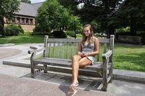 Teenager-Mädchen auf outdoor Bank - Stockfoto © cfarmer