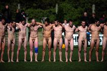 Naked rugby sorgusuna uygun resimleri bedava indir