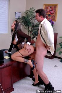 Mikayla gets pussy fucked in her office by the mailman. - ho