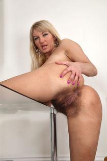 Vanessa J 2 Hairy Mature Blonde upskirtporn