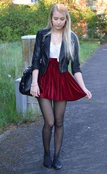 Flats and burgundy skirt Pantyhose Колготки, Одежда, Красота