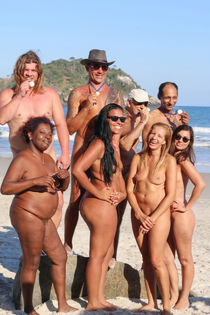 Nudist Family sorgusuna uygun resimleri bedava indir
