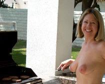 File:Cooking topless nudist in Palm Springs.jpg - Wikimedia