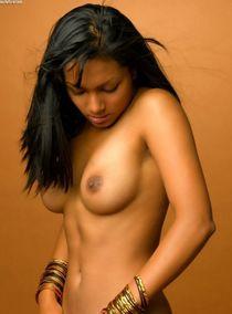 Голые индийские девушки - 119 порно фото