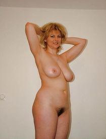 Milf with big tits Photo