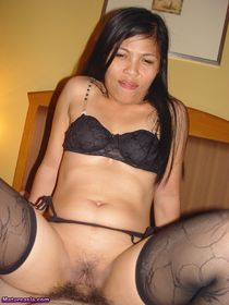 onia a Horny Asian wife loves to fuck in her stockings