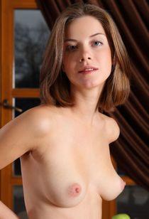 Danica в розовом сарафанчике 18+ - ЭроФотоСессии -..