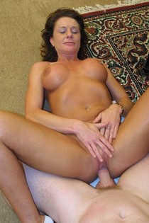Fucking my mature wife pussy - homemade porn photos