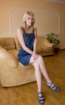 Sexy Breedable Blonde Teen in open toe high heels upskirtpor