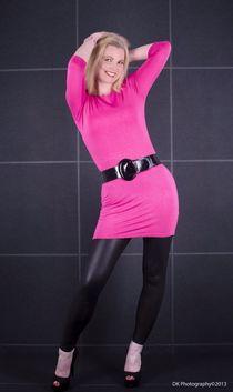 Beautiful mature model Geena H 2 Dress and Legs upskirtporn