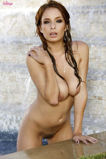 Ashley Graham naked at the pool Free Porn Gallery