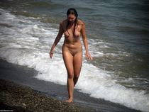 Beach nudists demonstrate the sweetest parts of their tight