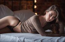 Wallpaper : women, model, long hair, in bed, black hair, lin