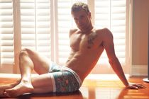 Quickie Nick Youngquest - Manhunt Daily