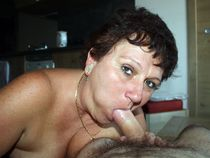 Kinky ex wife show her cocksucking skills in this private pics
