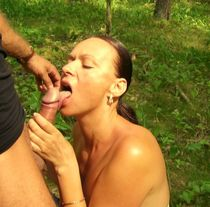 Amateur porn - european middle-aged slut wife having oral sex with stranger and getting..