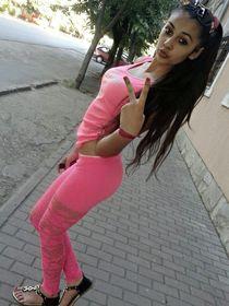 Latin teen girls posing, tight leggings and tight pants, pretty girlfriend Amateur photo