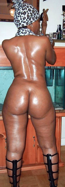 Lots of big black tits, black asses and fuck pics in these amateur porn gallery