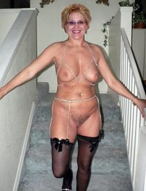 Another collection of nude mature women in freaky style