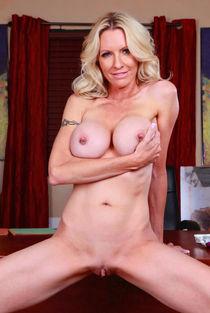 Mom Has Big Tits & Pierced Nipples Pin Porn Pics