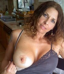 American milf with beautiful natural breasts