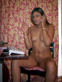 Desi nude Jaipur girl smoking and phone sex talking