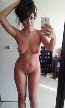 Amazing MILF Hot Selfie.