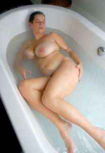 Lovely BBW in the bath