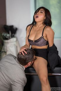 The boss loves that Filipina Asian pussy