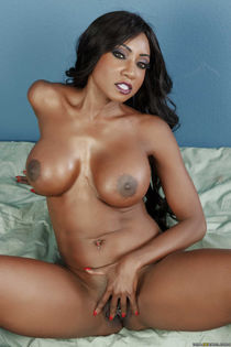 Diamond Jackson squeeze her big juggs and rubs her clit