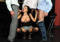 Busty Mommy goes hunting, Aletta Ocean - Manhunt public sex in the pub, huge tits