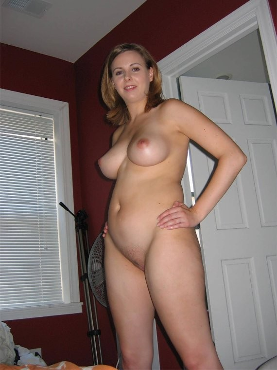 pretty naked busty moms